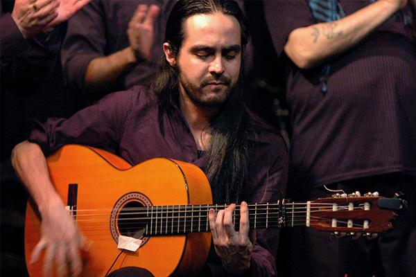 Clases de guitarra flamenca con Claudio Villanueva