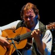 """Camarón de Pitita"" realiza curso para guitarristas"